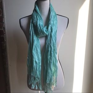 MANDEES SCARF TURQUOISE NWT OS